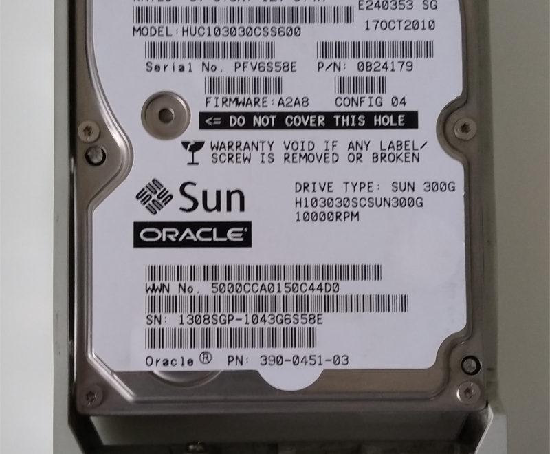 "www.serverpartsindia.com Sun Oracle 300GB SAS HDD 2.5"" 10K 390-0451-03 / 540-7869-01"